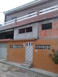 Jardim Petrópolis casa de dois pisos, com quatro quartos, garagem, bom local.