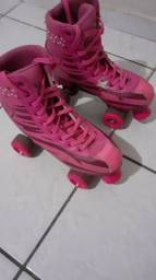 Patins 4 rodas rosa