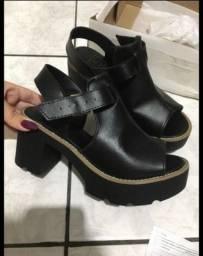 Título do anúncio: 3 sapatos por R$ 150,00