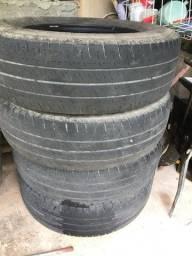 Pneus Michelin 225/75/16