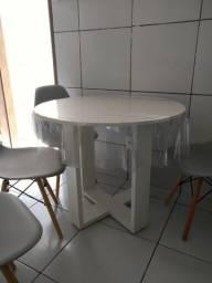 Mesa de madeira + 4 cadeiras Eames Eiffel