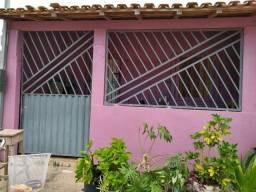 Vendo Casa em Quatro-Bocas (Tomé Açu) - Ótima localização.