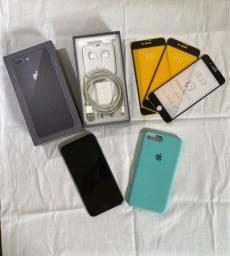 iPhone 8 Plus 64GB - super conservado