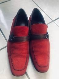Sapato moccasin vermelho em couro genuíno