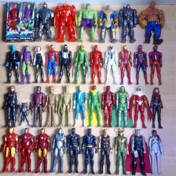 Bonecos Marvel
