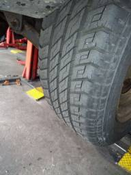 Título do anúncio: 2 pneus 185x70 14 Michelin usados