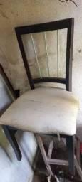 Vendo mesa com 6 cadeiras 700