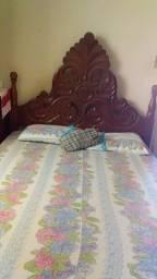 Vendo cama de madeira, sem colchão, não entrego