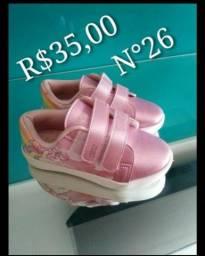 Sandália e sapato infantil