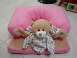 Poltrona rosa com urso