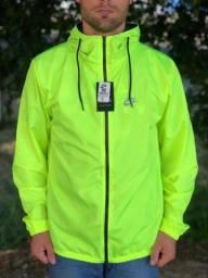 Jaqueta corta vento verde florescente