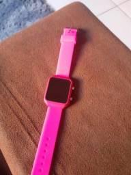 Estou vendendo esse  relógio  não  é da Appe
