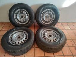 Título do anúncio: 4 pneus aro 16 com rodas