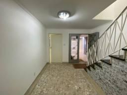 Título do anúncio: Casa para alugar em Campo Belo de 255.00m² com 4 Quartos e 3 Garagens