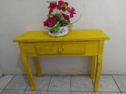 Aparador Amarelo