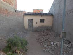 Vende-se casa no bairro Severino Afonso