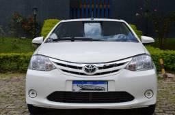 Toyota Etios X Sedan 1.5 Automático - GNV