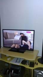 TV smart 32 S. Toshiba funcionamento perfeito , dispenso curiosos