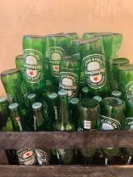 Cascos vazio. R#3,00 cada garrafa. Não fazemos entrega.