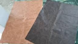 Vendo peças em couro