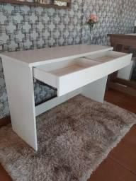 Título do anúncio: Mesa para escritório com 2 gavetas