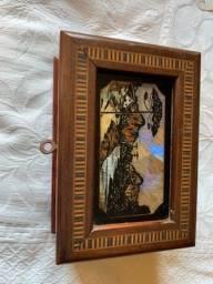 Título do anúncio: Caixa porta joias madeira antiguidade