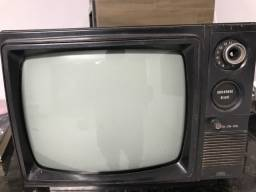 TV ANTIGA - DECORAÇÃO