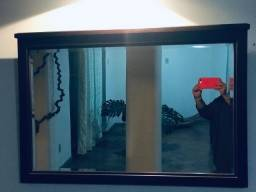 Espelho de madeira antigo