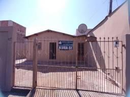Alugo Casa com 3 Quartos na Moreninha