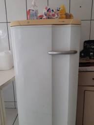 Título do anúncio: Freezer vertical super