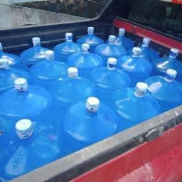 Água Mineral 20 L Temos Preço Pra Revenda