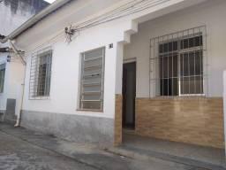Título do anúncio: Ótima casa de vila com dois quartos no centro da Taquara/RJ