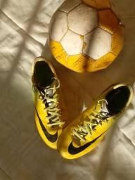 Chuteira Nike 36/37