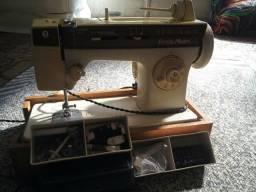 Máquina de costura Singer facilita master