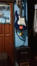 Guitarra Sternberg e cubo meteoro