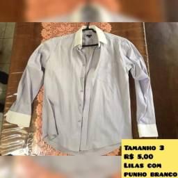 Camisa lilás com punho branco
