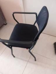 Cadeira preta nova