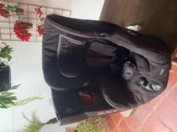 Cadeirinha de bebe (bebe comfort Axxis)