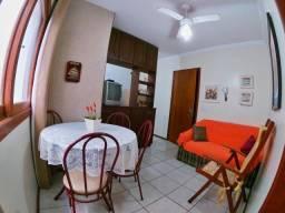 Apartamento 1 dormitório, junto ao centro, 1 quadra do mar, mobiliado, com elevador