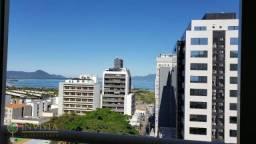 Apartamento com 2 dormitórios e vista mar no Centro