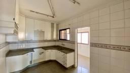 Apartamento com 3 dormitórios para alugar, 193 m² por R$ 1.200,00/mês - Vila Marcondes - P