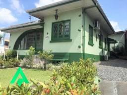 Excelente casa pra locação, no Bairro Garcia!