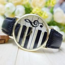Relógio Musica Piano Teclado Acordeon Black