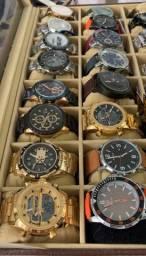 Os relógios mais top da ilha estão aqui. Só chamar e enviamos todos os modelos.