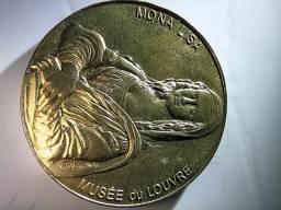 Medalha Louvre Monalisa