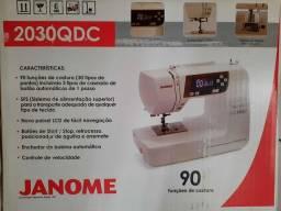 Máquina de costura eletrônica Janome