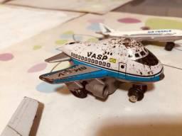 Aviões brinquedos antigos