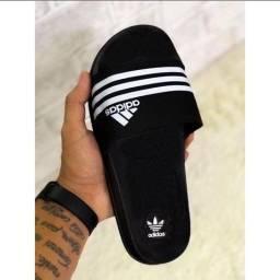 Título do anúncio: Chinelo slide Adidas