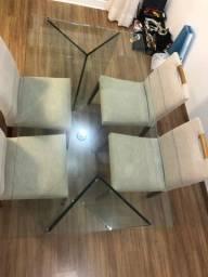 Mesa com 04 cadeiras. OPORTUNIDADE!!!