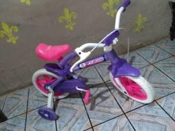 bicicleta de criança rosa